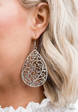 Load image into Gallery viewer, Grapevine Grandeur Silver Earring