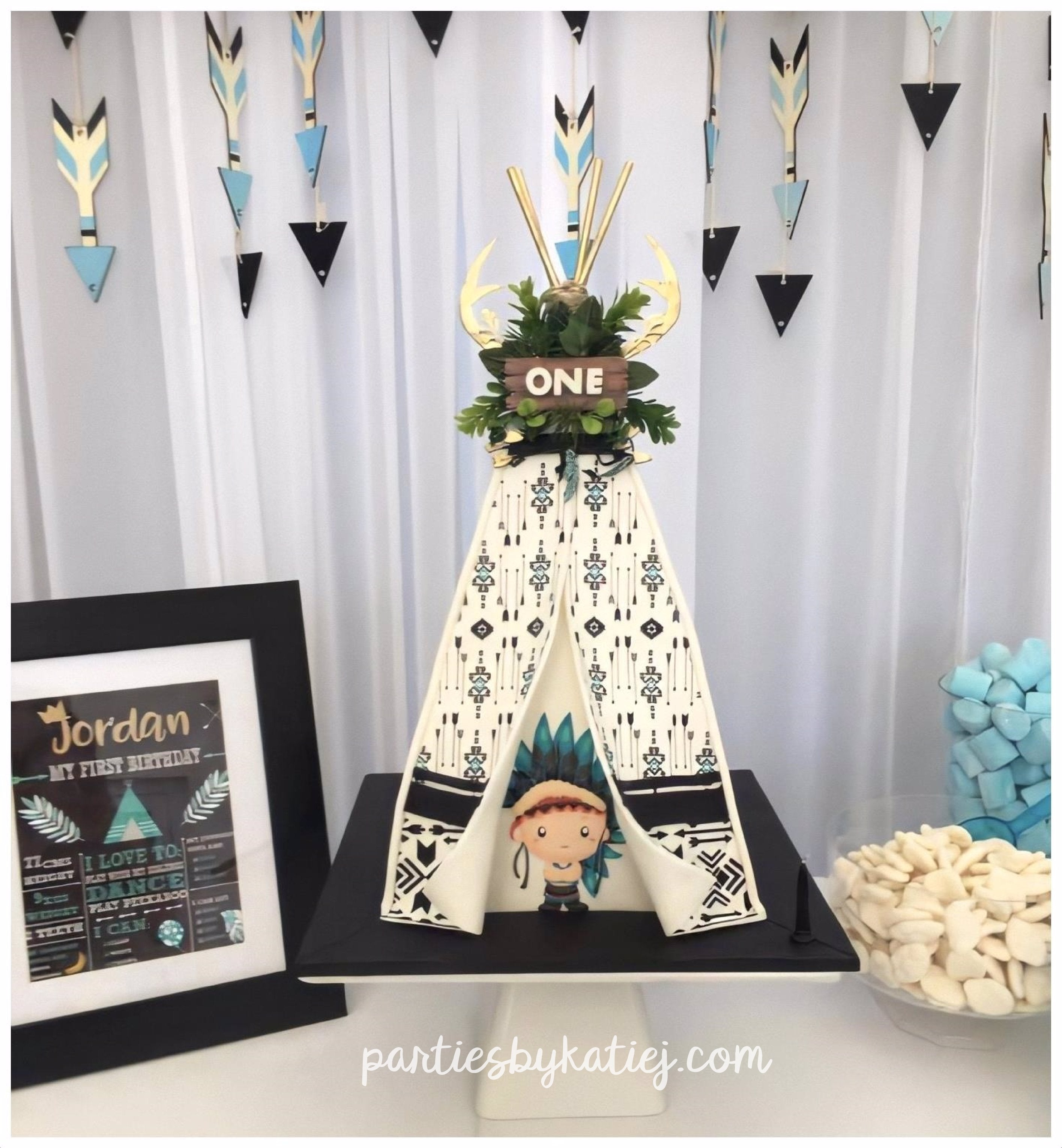 Wild One Birthday Party Ideas Photos Decorations Cake