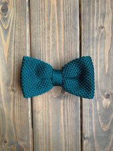Load image into Gallery viewer, Racing Green Knitted Bow Tie