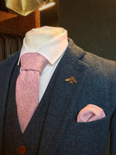 Load image into Gallery viewer, Lilac Wool Pocket Square