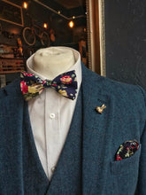 Load image into Gallery viewer, Navy Floral Cotton Bow Tie