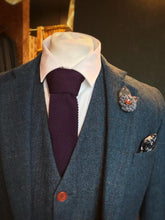 Load image into Gallery viewer, Plum Knitted Tie