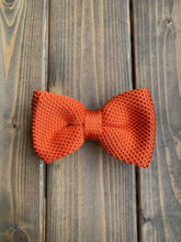 Load image into Gallery viewer, Orange Knitted Bow Tie