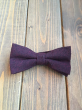 Load image into Gallery viewer, Berry Cotton Bow Tie
