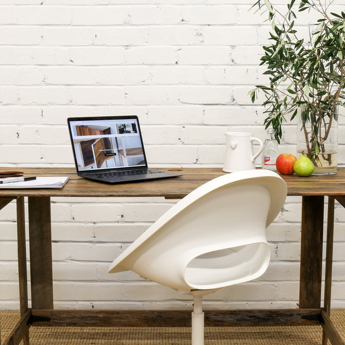 Furniture: Introducing Flat Pack Desks