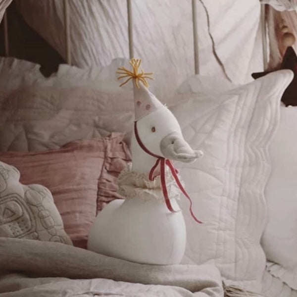 Whimsical Mrs Duck Wall Mounted Animal Head white