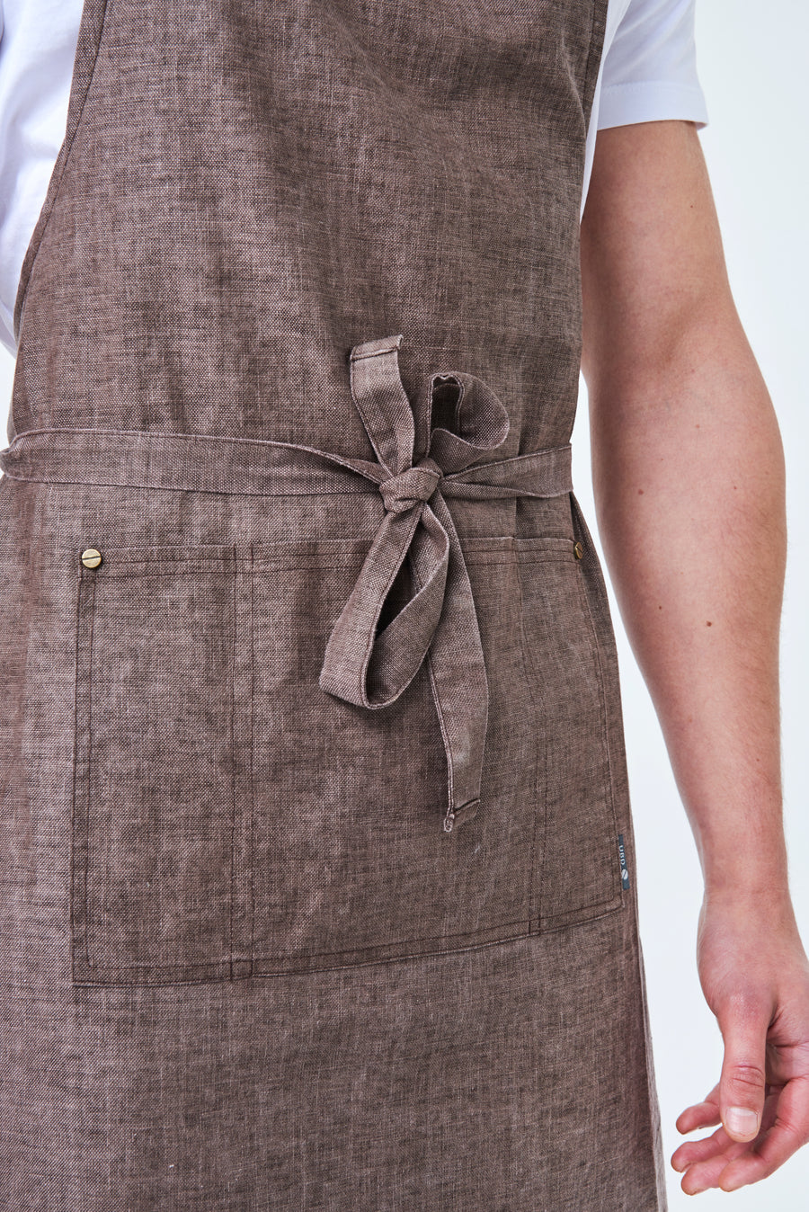 CLEMENTINE BIB Apron with metal trims - Chocolate Linen