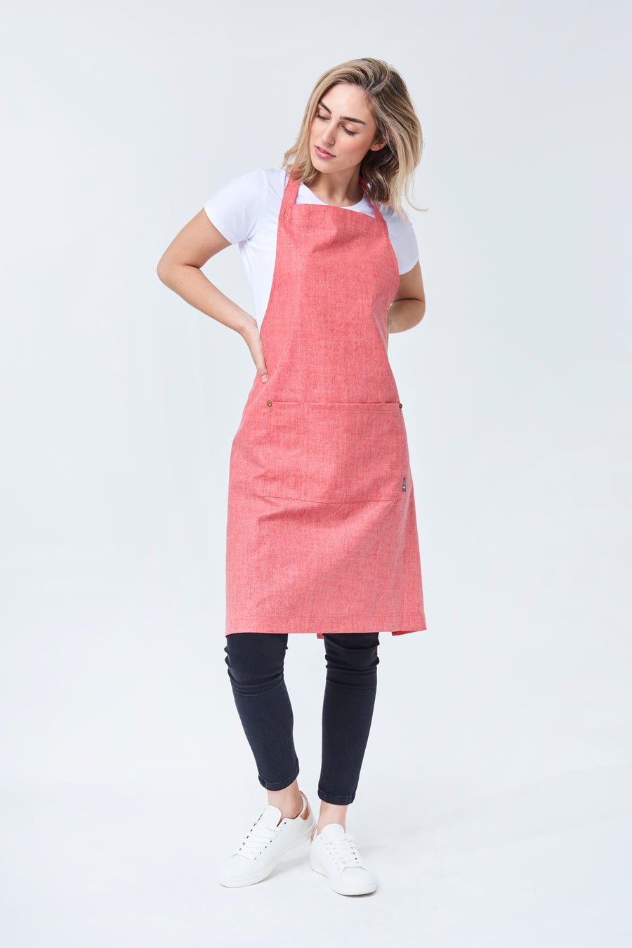 CLEMENTINE BIB Apron with metal trims - Raspberry Linen