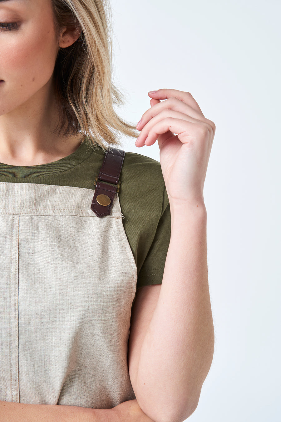 THEODORE Apron with PU Leather Strap - Pebble Linen
