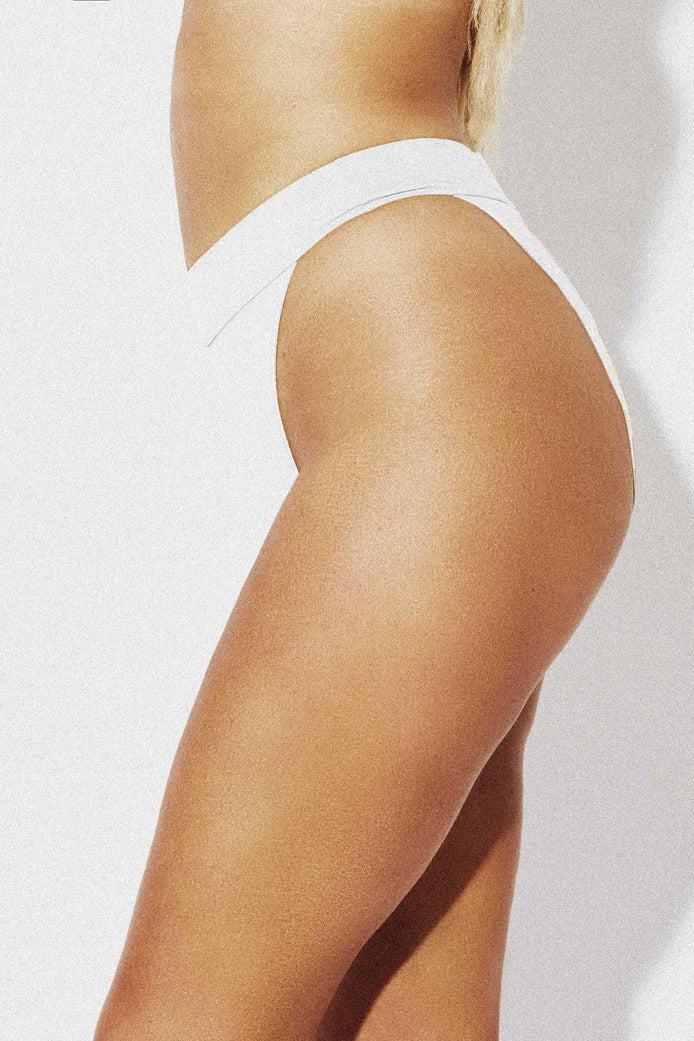 THE CONTOUR BIKINI PANT - WHITE