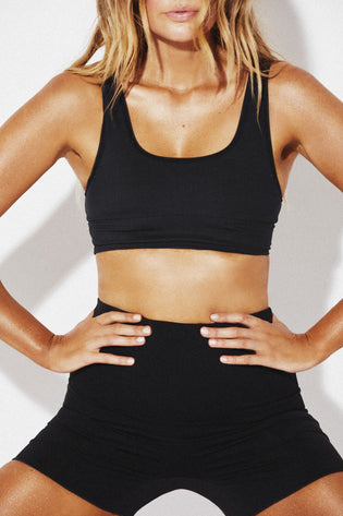 THE CONTOUR CROP TOP - BLACK