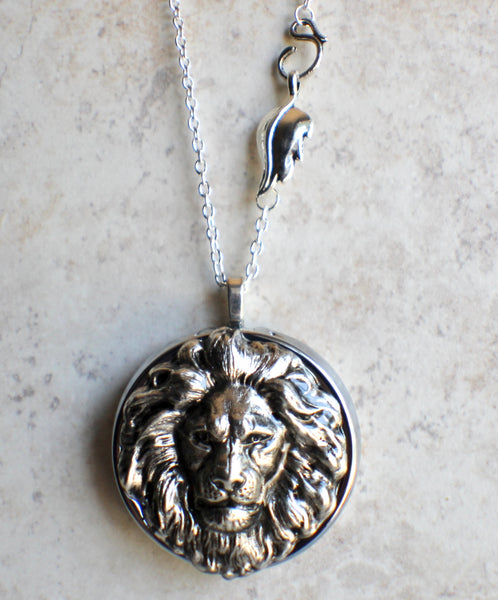 Lion Music Box Locket in Silvertone - Char's Favorite Things - 4