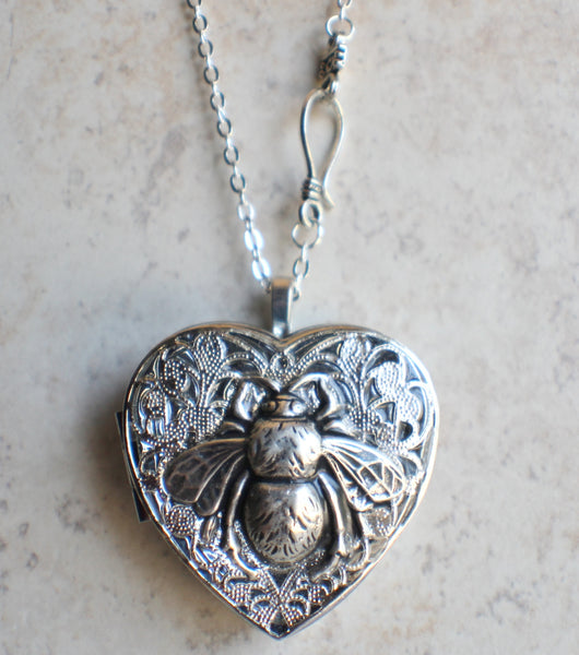 Silver Bumble Bee Music Box Locket - Char's Favorite Things - 4