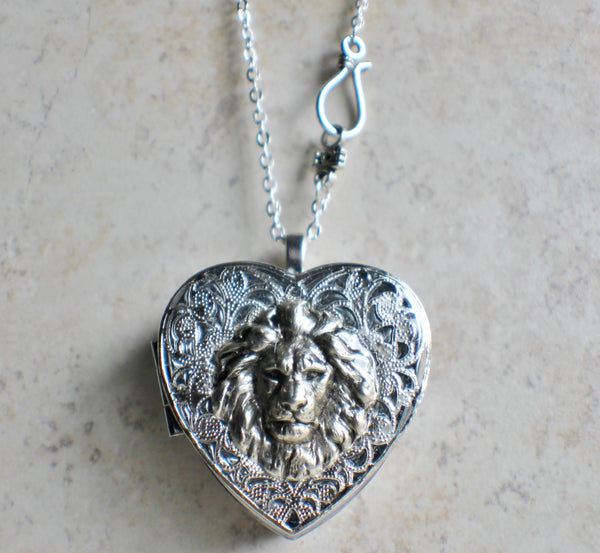 Silver Heart shaped lion music box locket. - Char's Favorite Things - 4