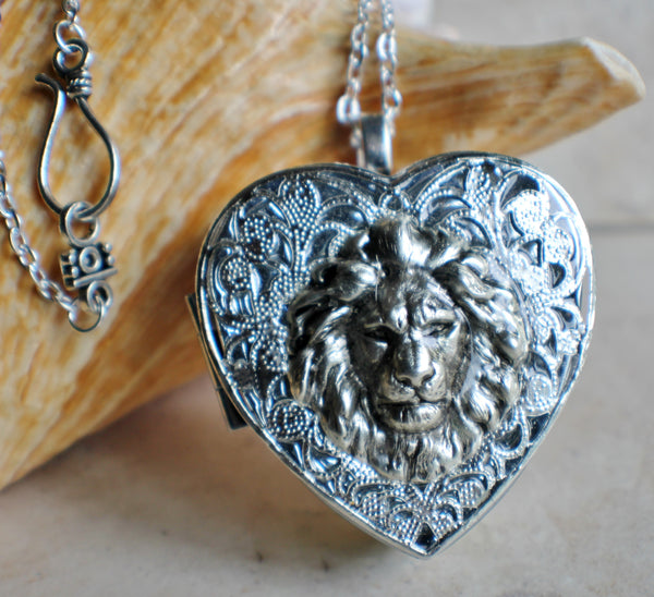 Silver Heart shaped lion music box locket. - Char's Favorite Things - 1