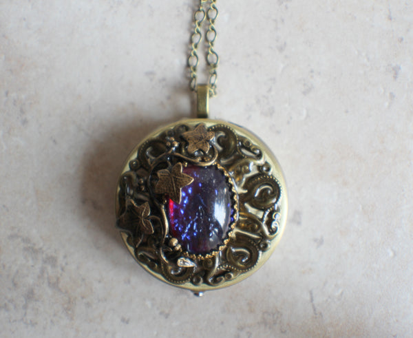 Round Dragons Breath, Music Box Locket
