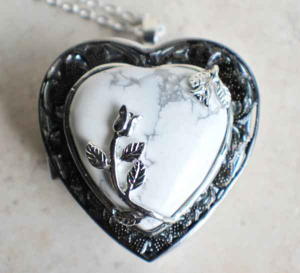 Turquoise heart music box locket - Char's Favorite Things - 3