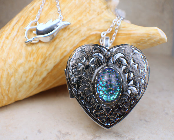 German Helio Music Box Locket