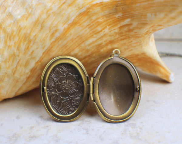 Oval Volcano Glass  Photo Locket
