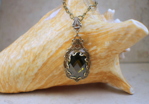 Goth Crystal Green Necklace