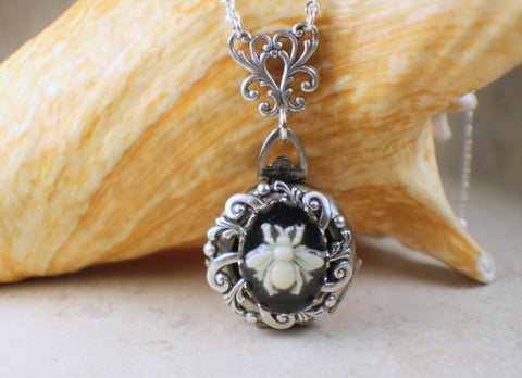 Bumblebee Cameo Multi Photo Locket Silver