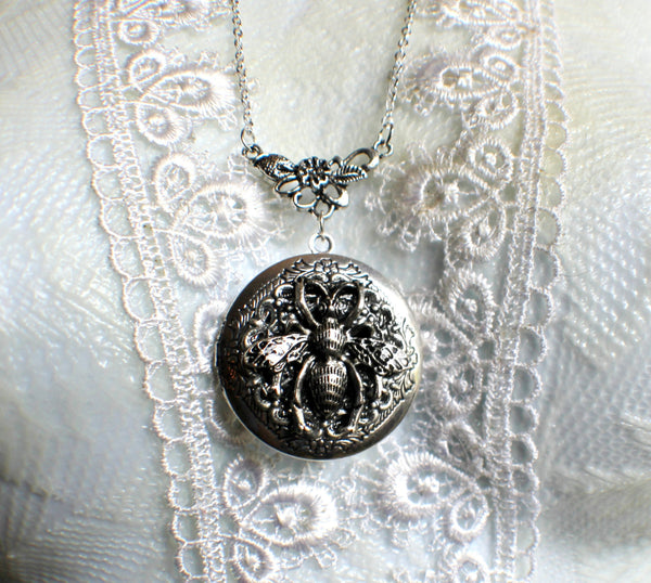 Bumble bee photo locket, round silver tone locket with bumble bee on front cover. - Char's Favorite Things - 3