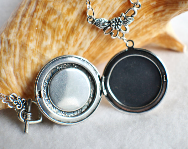 Lion photo locket, round silver tone locket with lion on front cover. - Char's Favorite Things - 4