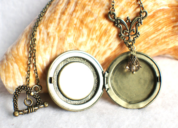 "Bride to be photo locket, round bronze locket with glass cabochon and the words ""Bride to Be"" on front cover. - Char's Favorite Things - 4"