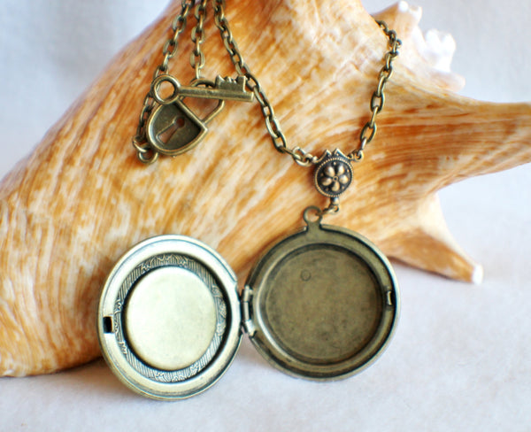 Moon photo locket, round bronze locket with moon man on front cover. - Char's Favorite Things - 4