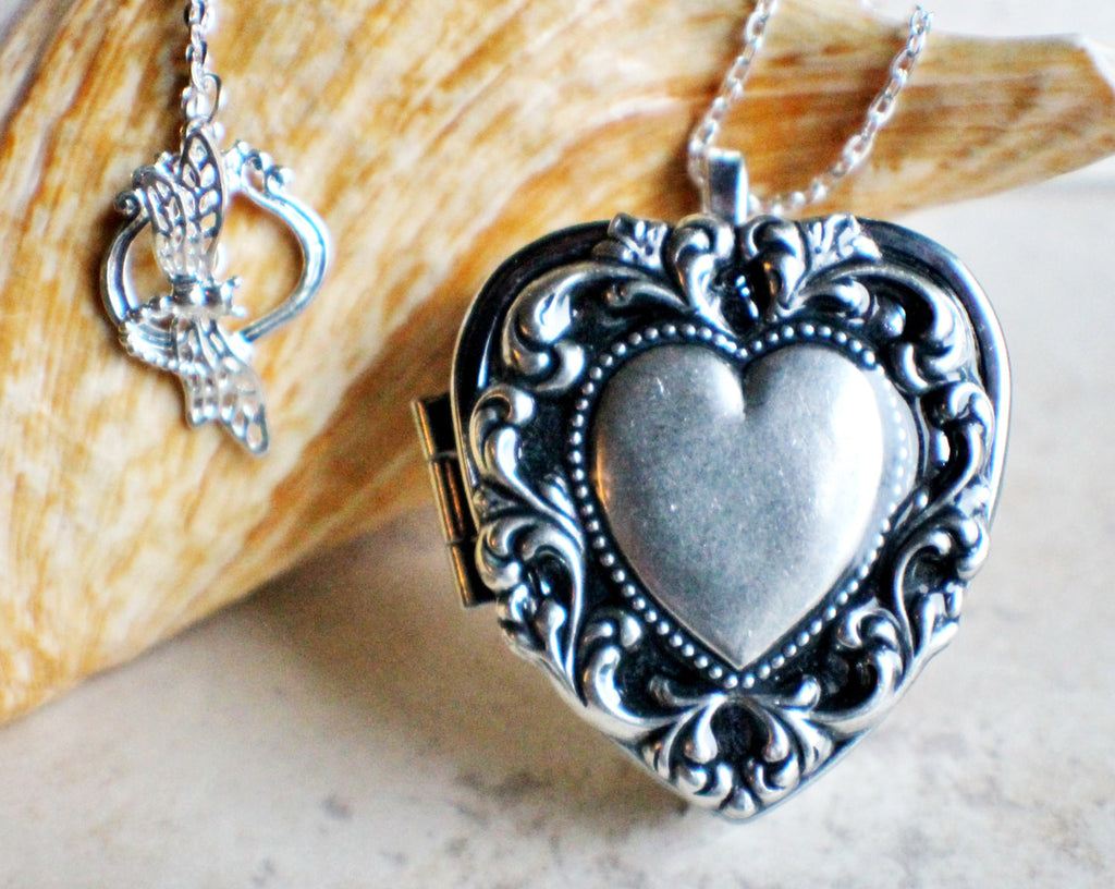 Scalloped heart music box locket, heart locket with music box inside. - Char's Favorite Things - 1