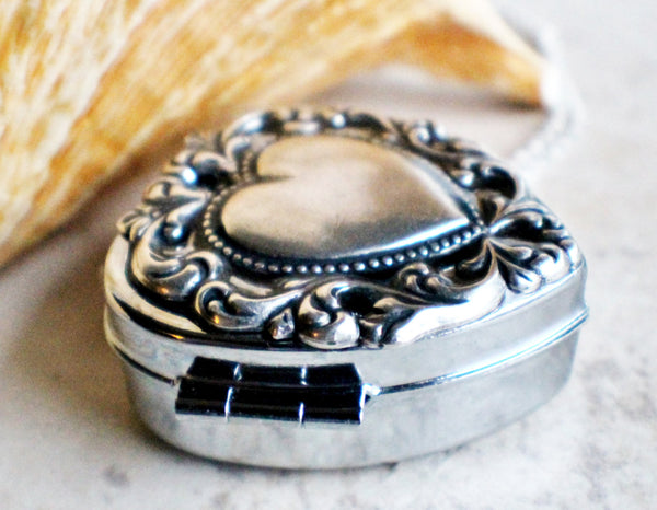 Scalloped heart music box locket, heart locket with music box inside. - Char's Favorite Things - 2