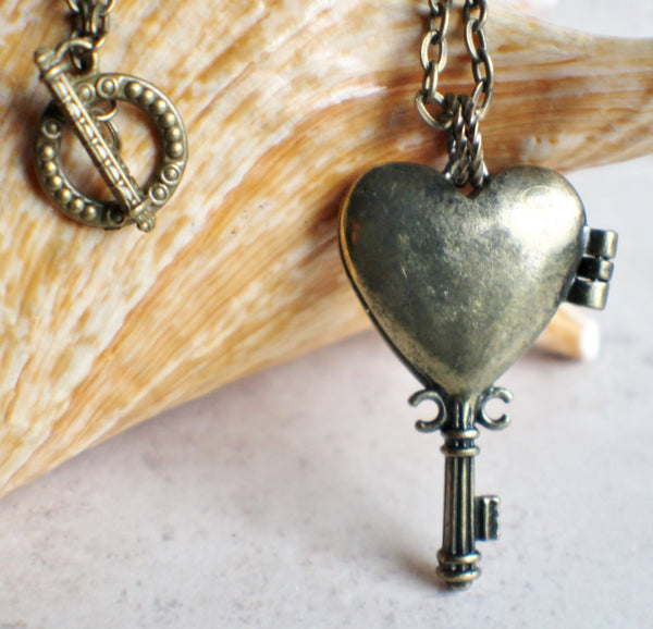 Bumble bee heart key photo locket, heart shaped bronze key locket with a bumble bee on front cover. - Char's Favorite Things - 5