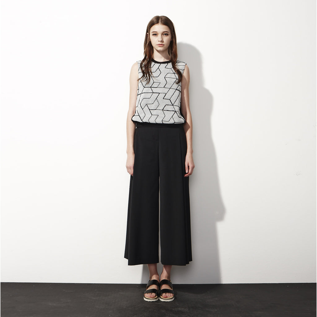 Sleeveless Geometric Top