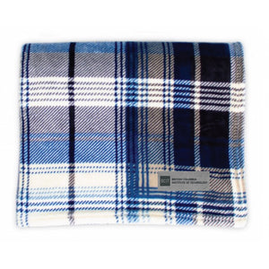 SALE 25% off   BCIT Classic Plaid Throw Navy