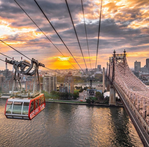 Stunning sunset view from Roosevelt Island Tramway