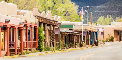 View of gorgeous historic buildings built by the Spanish Colonies in Santa Fe, New Mexico.