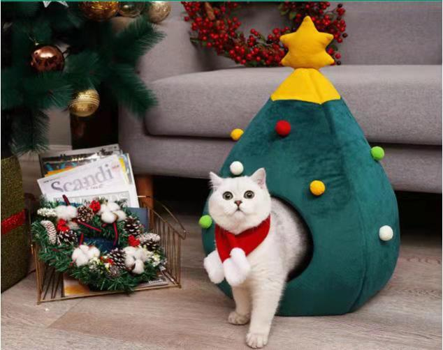 Christmas Tree Shaped Cat Bed