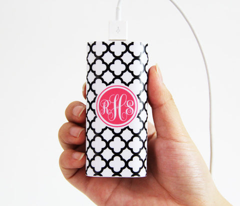 Quatrefoil Print Monogrammed Portable Power Bank Battery Charger for iPhone and Samsung - Acyc - 1