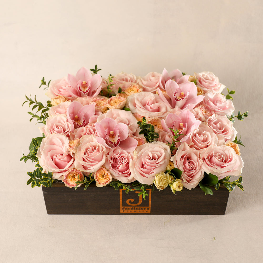 The Jardiniere Flowers Signature Flower Box