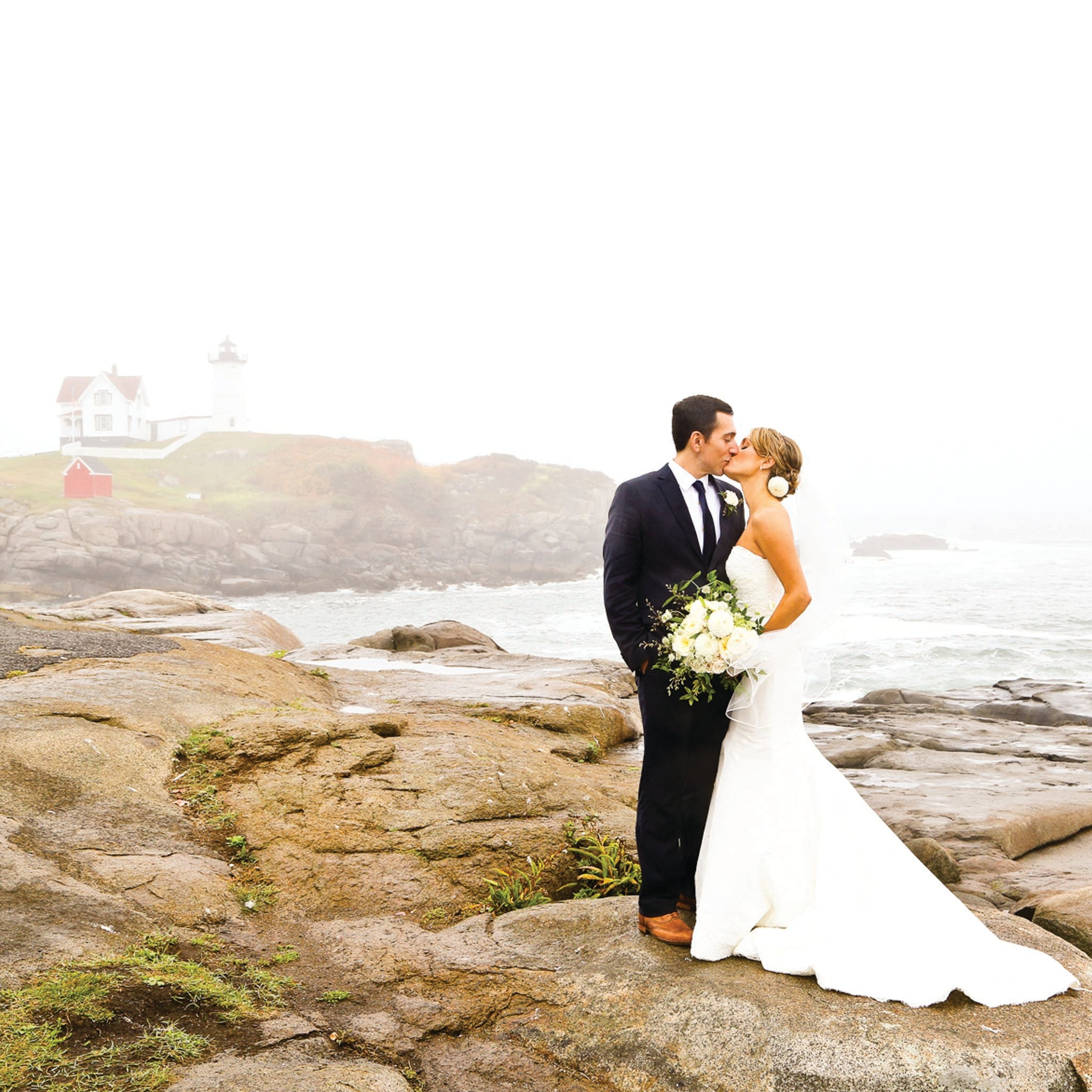 York Maine Wedding Jardiniere Flowers Weddings Portsmouth New Hampshire Wedding Flowers Garden Seacoast Wedding York Harbour Beach Wedding Wiggly Bridge Nubble Lighthouse
