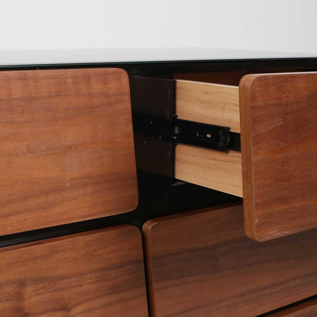 Basilio Chest of Drawers
