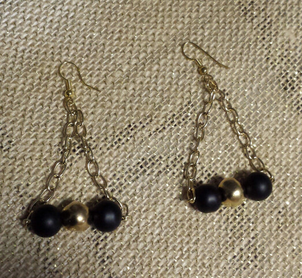Black Onyx swinging from chain