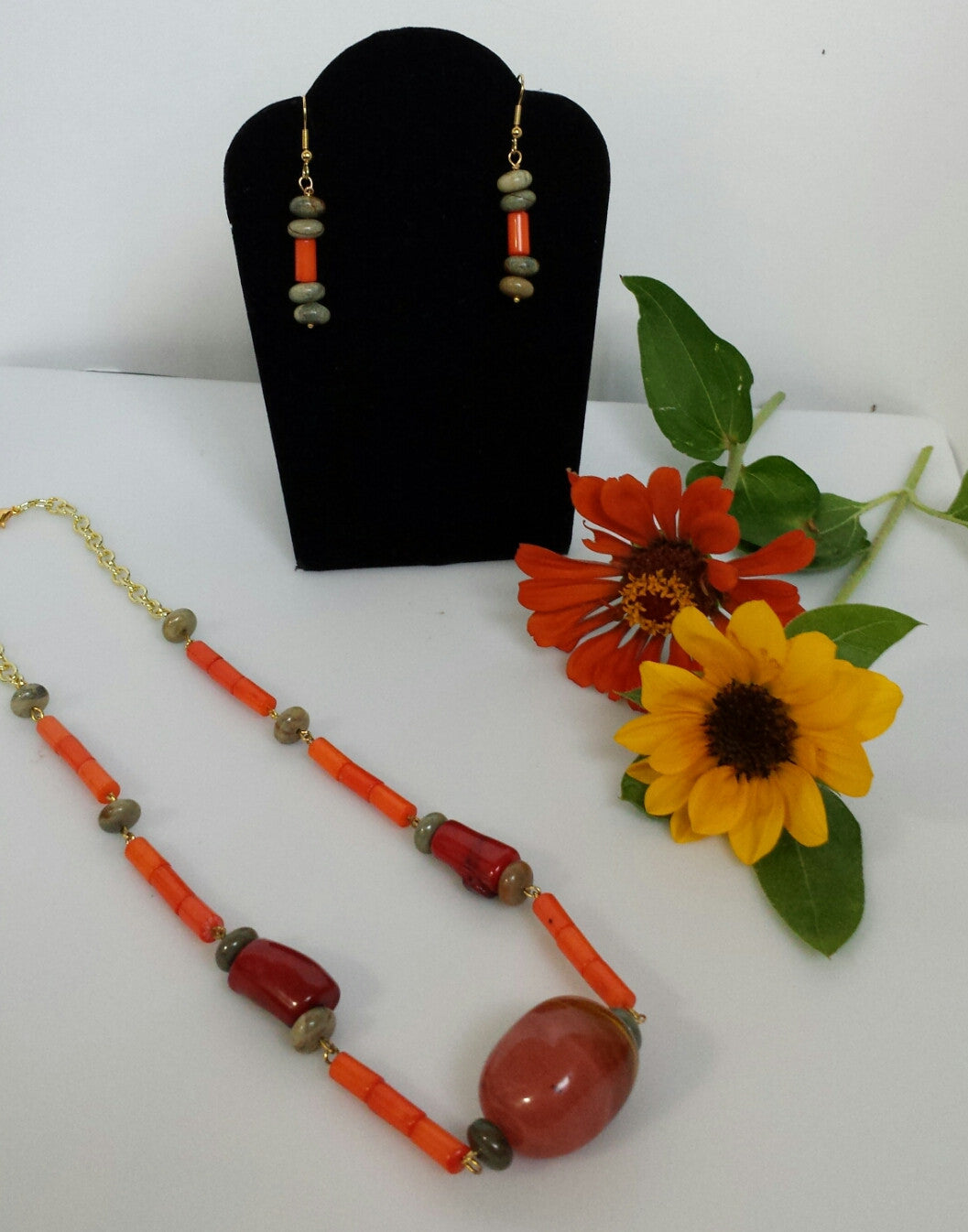 Beads in coral, organic, jasper necklace and earrings