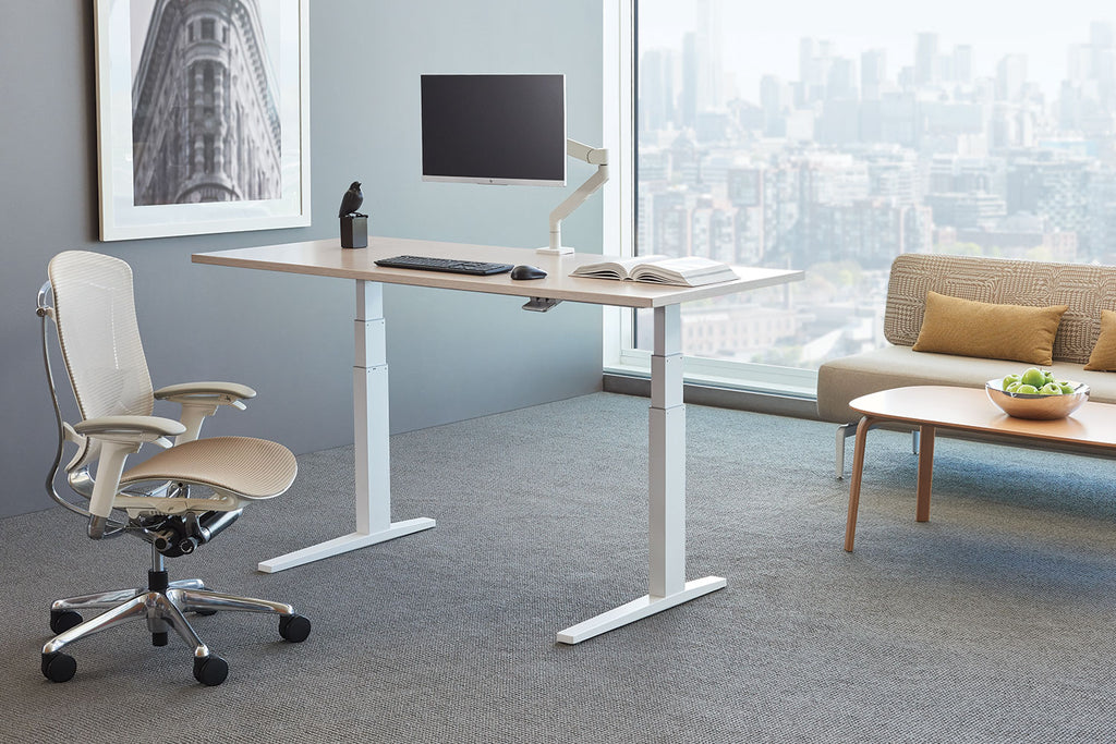Discover the Benefits of Using a Sit-Stand Desk