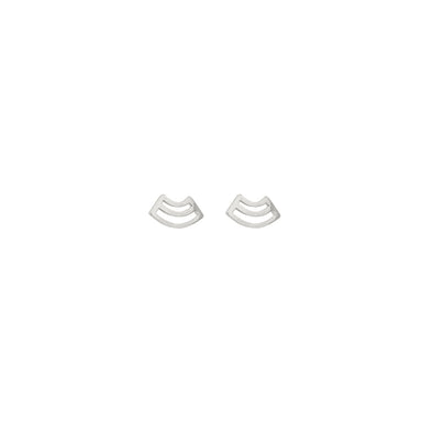 silver arched pattern stud earrings
