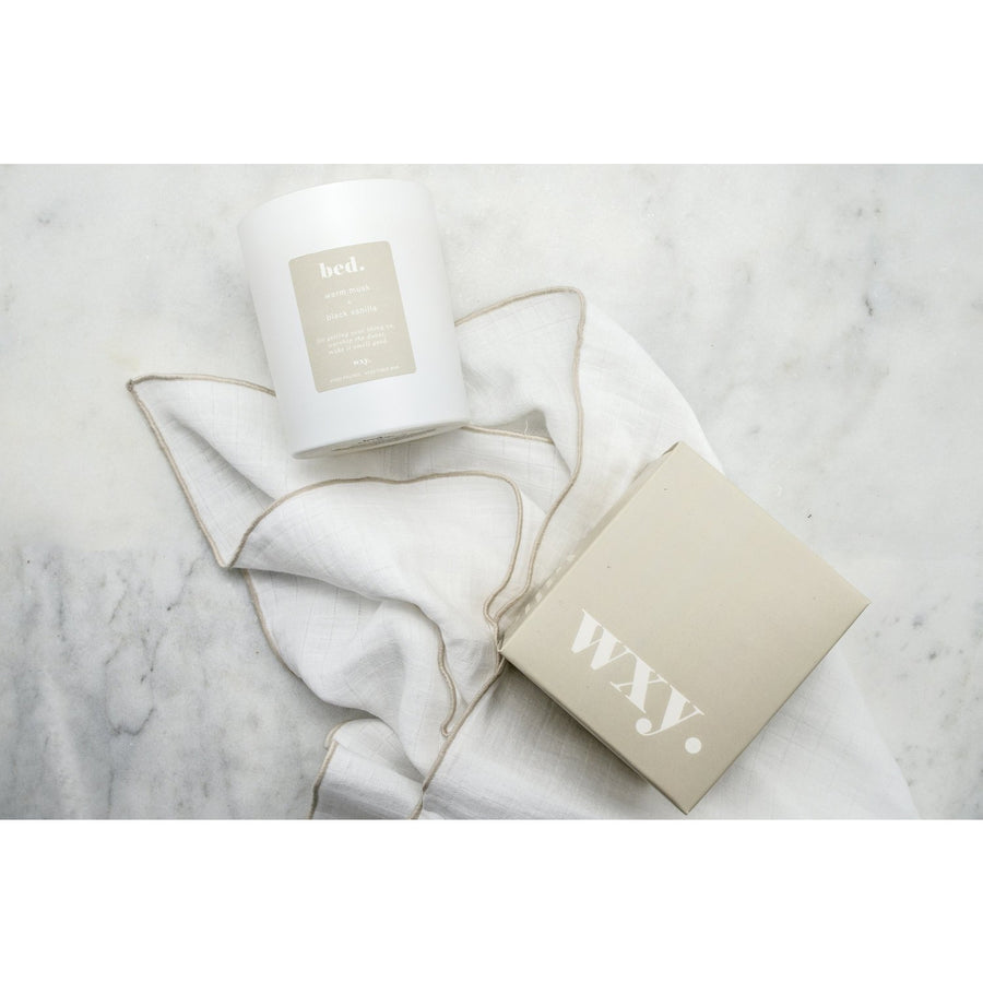 WXY Bed. Candle Warm Musk & Black Vanilla 7oz