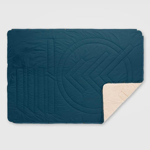 Voited Cloudtouch Indoor/Outdoor Camping Blanket - LEGION BLUE