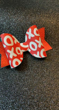 Load and play video in Gallery viewer, X's & O's Valentine Bow