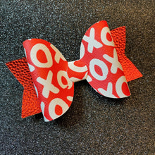 Load image into Gallery viewer, X's & O's Valentine Bow
