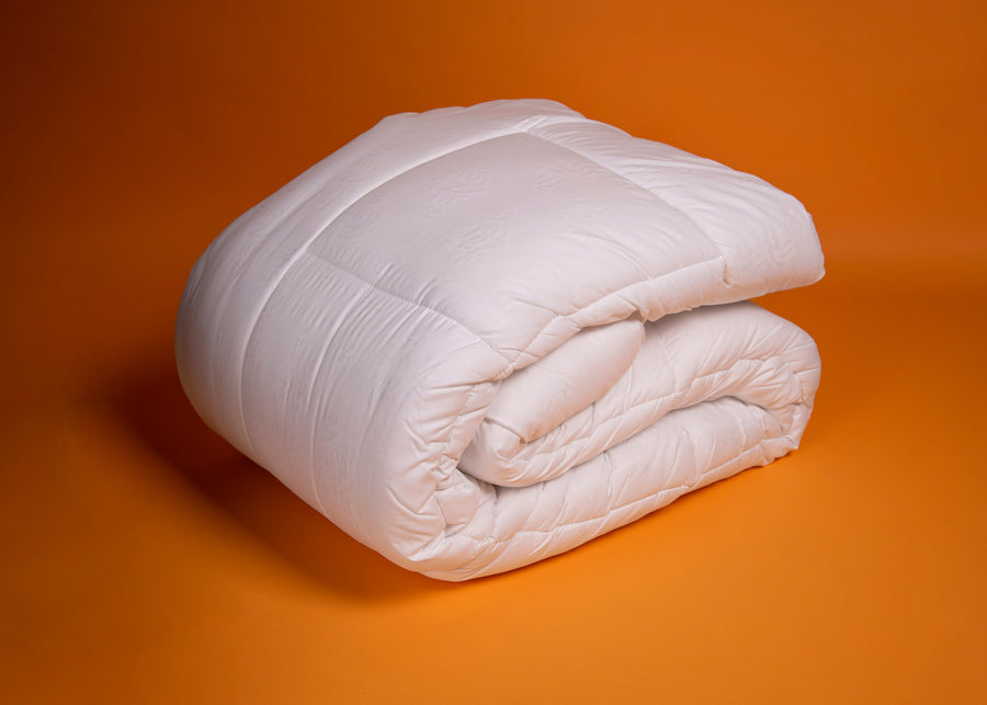 white recycled plastics polyester duvet product image